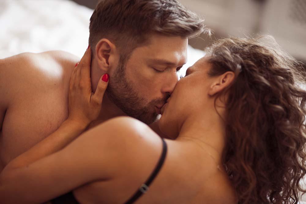 escorts-besos-en-la-boca