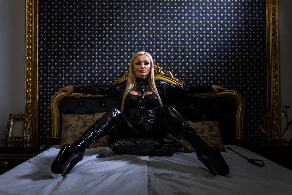 juegos-eroticos-ama-escorts-1